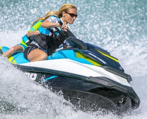 Jet Ski en pleine action à Porto-Vecchio